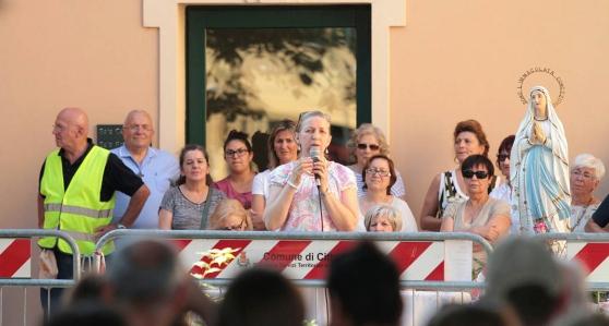 Vaticano baniu aparições públicas, testemunhos, e provavelmente também as mensagens dadas aos videntes de Medjugorje